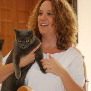 גלית בר יוסף ושאקירה החתולה המטפלת